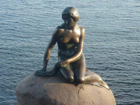 Emblème du Danemark, la petite sirène de Copenhague est devenue une figure fétiche de VDO France